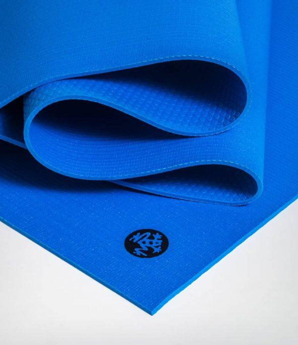 Manduka Yogamatte PROLite Truth Blue Strahlend Blau 4