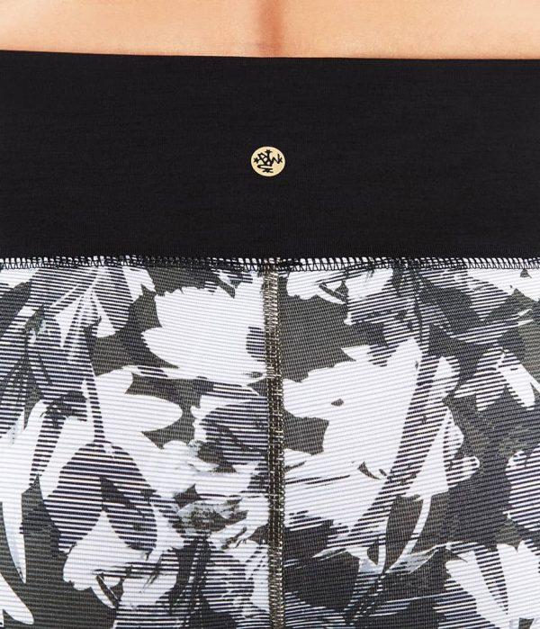 Manduka Yoga-Legging WRAP UP LEGGING DIGITAL FLORAL grau-weissem Floral-Print für Frauen 7