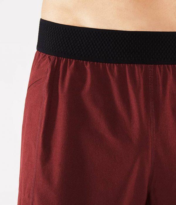 Manduka Yoga-Short DAILY LITE PORT dunkel-rot für Männer 3