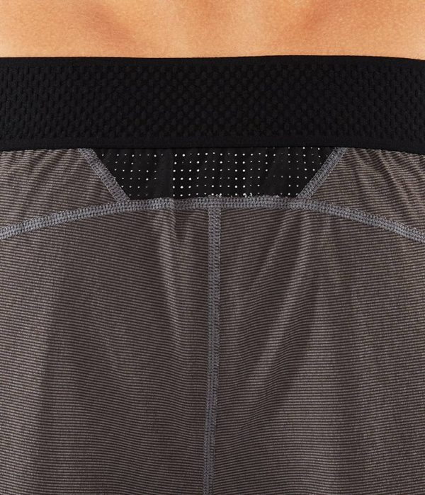Manduka Yoga-Short DAILY LITE THUNDER grau für Männer 7