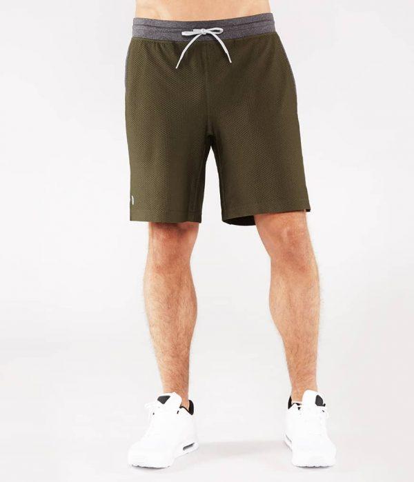Manduka Yoga-Short PERFORMANCE MESH SHORT OLIVINE oliv-grün für Männer 1