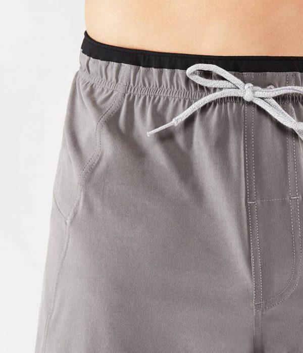 Manduka Yoga-Short MANDUKA X SHORT THUNDER grau für Männer 3