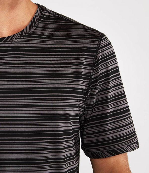 Manduka Yoga-Shirt CROSS TRAIN TEE BLACK/THUNDER schwarz-grau für Männer 3
