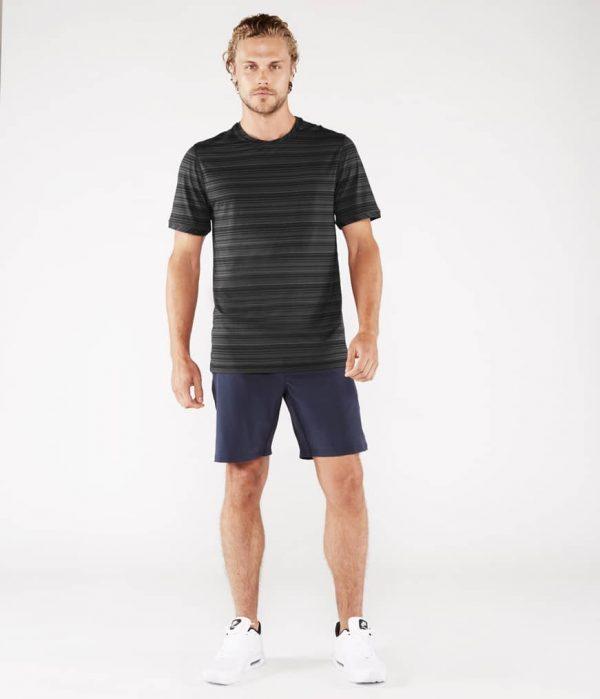 Manduka Yoga-Shirt CROSS TRAIN TEE BLACK/THUNDER schwarz-grau für Männer 5
