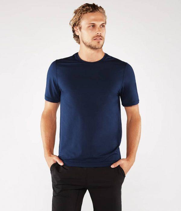 Manduka Yoga-Shirt CROSS TRAIN TEE MIDNIGHT blau für Männer 1