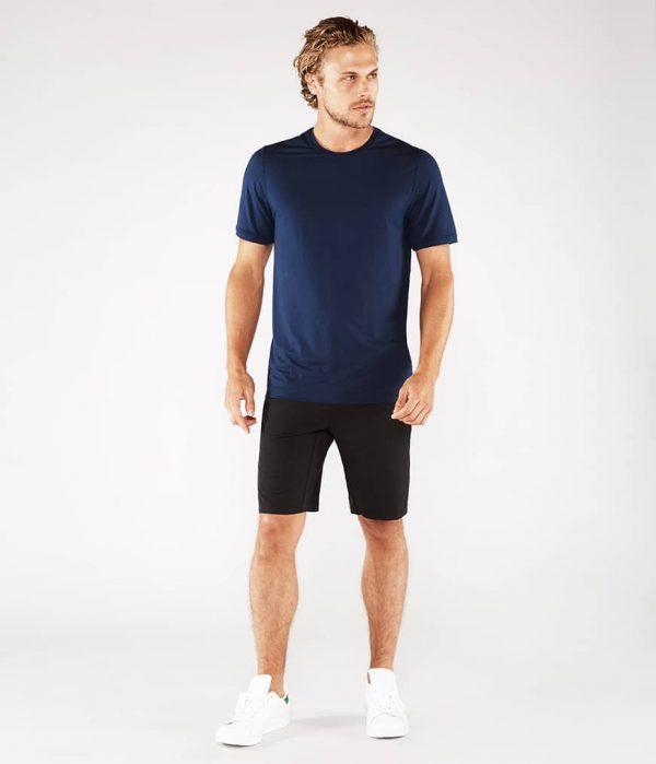 Manduka Yoga-Shirt CROSS TRAIN TEE MIDNIGHT blau für Männer 5