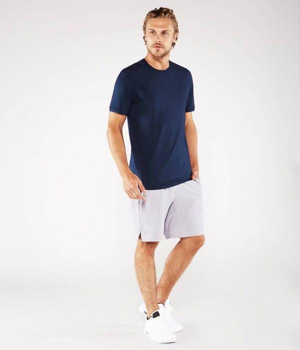Manduka Yoga-Shirt CROSS TRAIN TEE MIDNIGHT blau für Männer 7