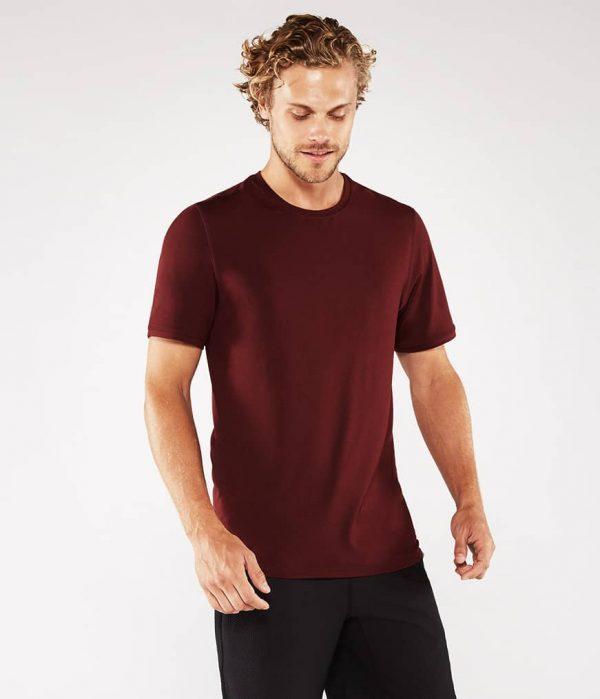 Manduka Yoga-Shirt CROSS TRAIN TEE PORT dunkel-rot für Männer 1